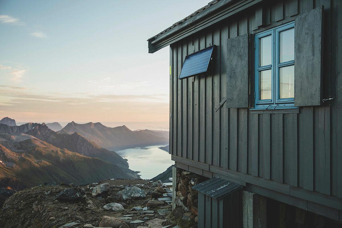 Tåkeheimen i solnedgang