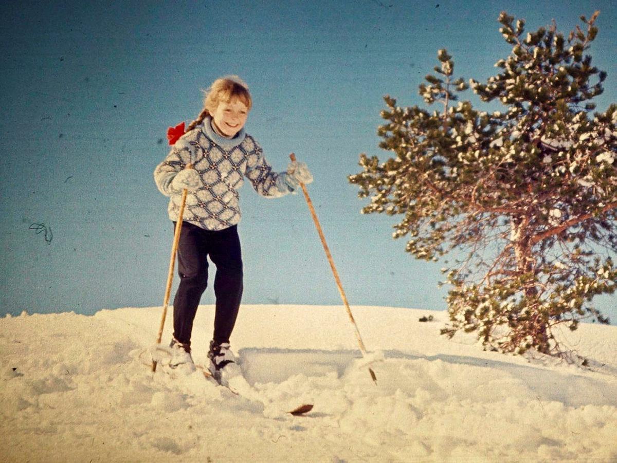 Vanligvis så tenker man at man må dra langt avgårde for å få de store naturopplevelsene. Her var det så snørikt i byfjellene i Bergen at jeg og en venninne bestemte oss for å gå Vidden på ski fra Ulriken til Fløyen. Gjennom turen hadde det vekslet mellom sol og snøbyger, og pvei ned fra Rundemannen ble vi møtt av dette synet. En snøbyyge hadde nettopp passert og solen som var pvei ned ga oss et fantastisk skue.