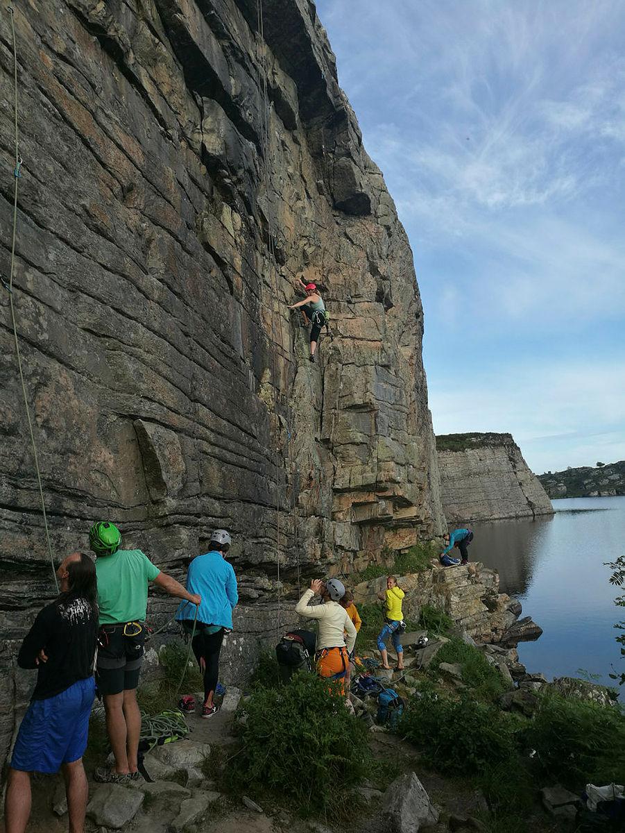 Klatring på Gjøkeredet med fjellsport Bergen.