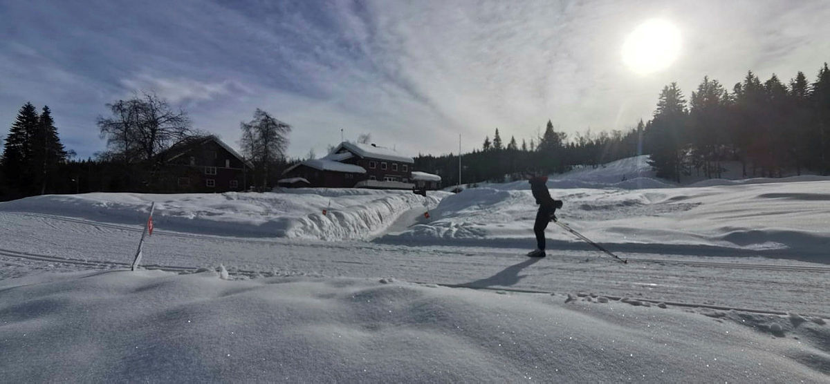 Eiksetra turisthytte ved Garsjø i Lier, i kanten av Finnemarka en nydelig februardag 2021.
