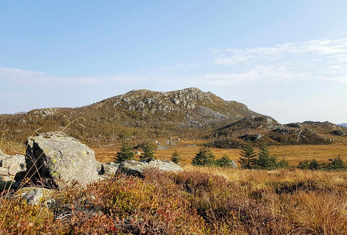 Søndagstur over Hellandsnipa og Ulvsfjell til Brekko