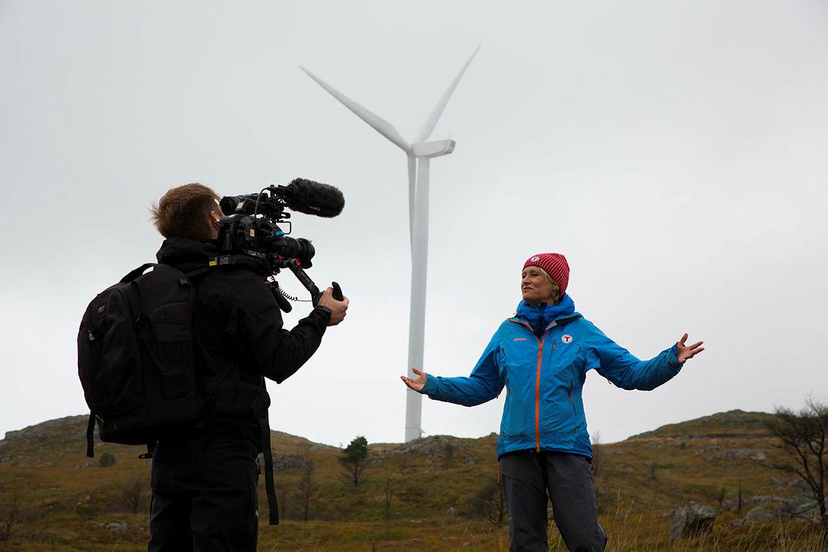 Hvilke turmuligheterskal kommunen tilby barna på Fitjar i fremtiden? 6 meters brede anleggsveier og vindkraftanlegg? undrer Helene Ødven, daglig leder i Bergen og Hordaland Turlag.