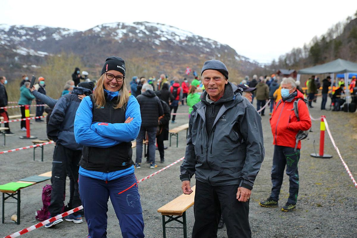 Styreleder i Turlaget, Elisabeth Skage, sammen med styremedlem Christian Irgens.
