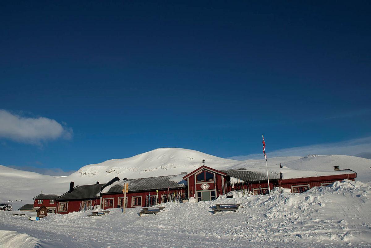 Bilder fra DNTs påskekontor på Fondsbu, påsken 2015.