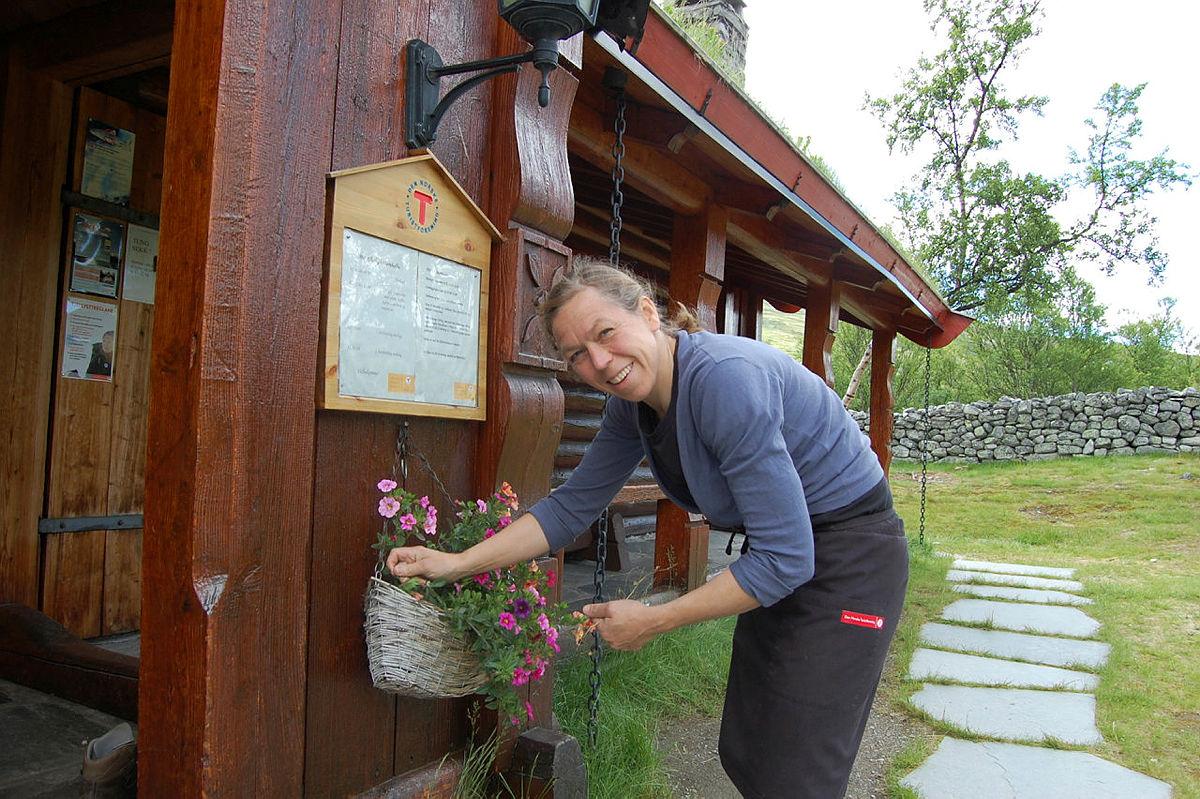 Bestyrer på Bjørnhollia ønsker velkommen til tre døgn med turer i området.
