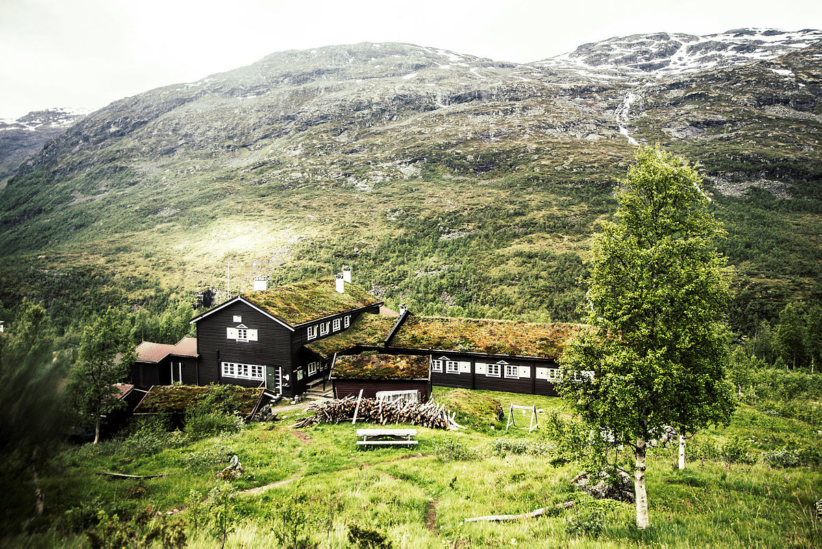 Skogdalsbøen i frodige Jotunheimen