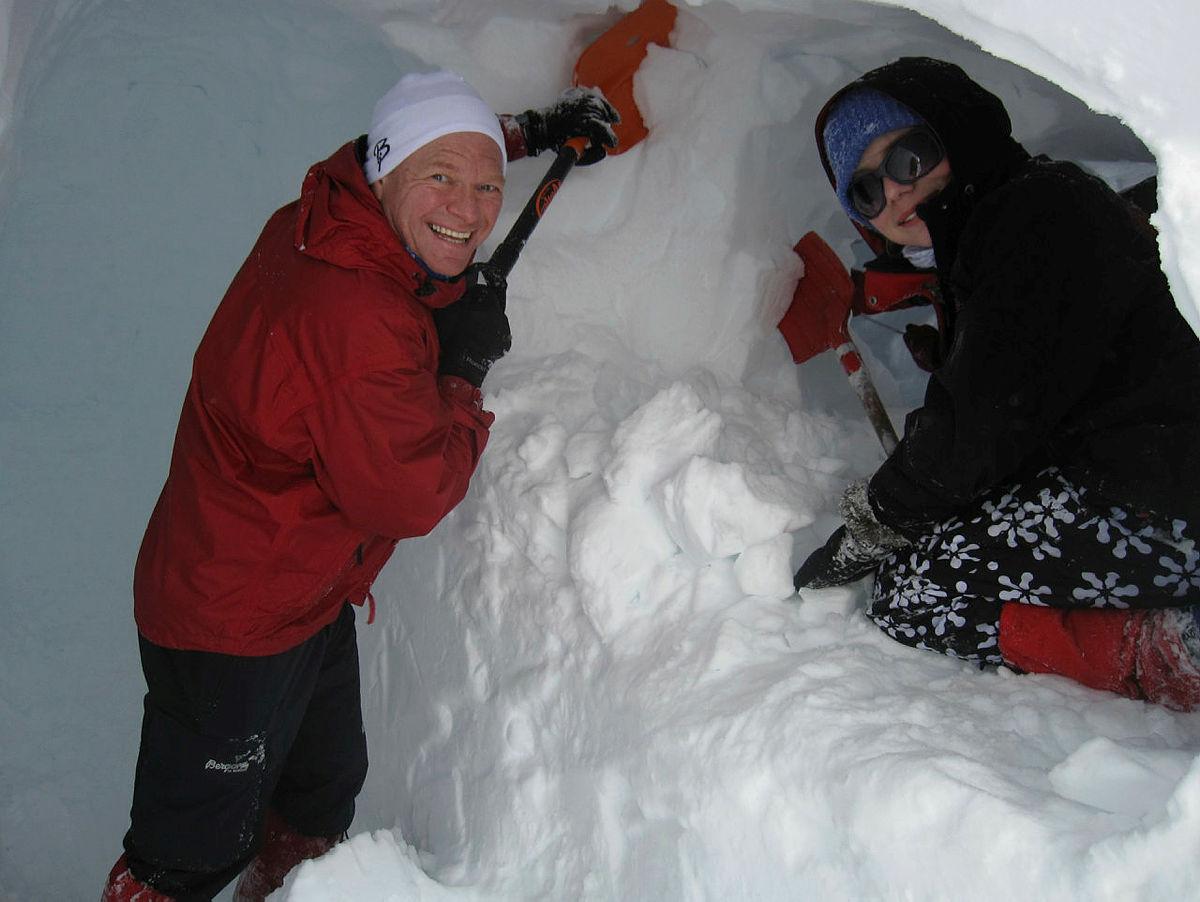 Snøhuletur - en julegave dere sent vil glemme!