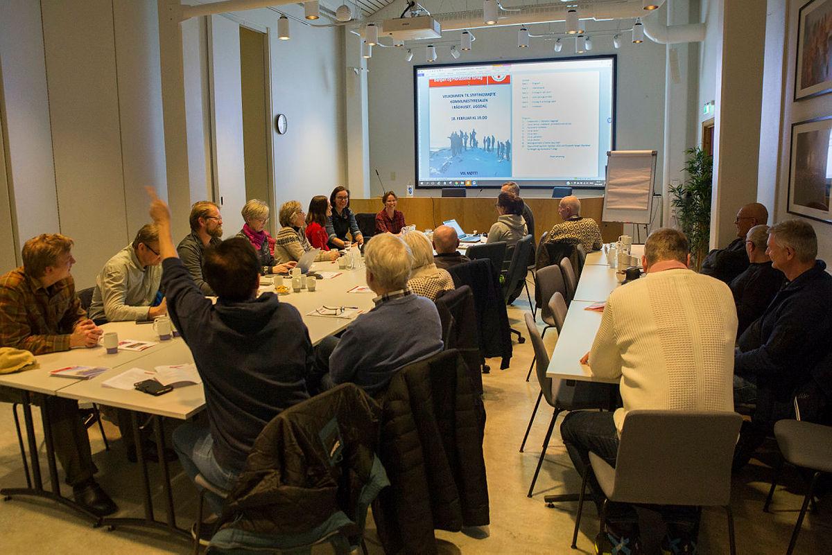 Stort oppmøte da Tysnes Turlag har stiftelsesmøte tirsdag 18. februar 2020.