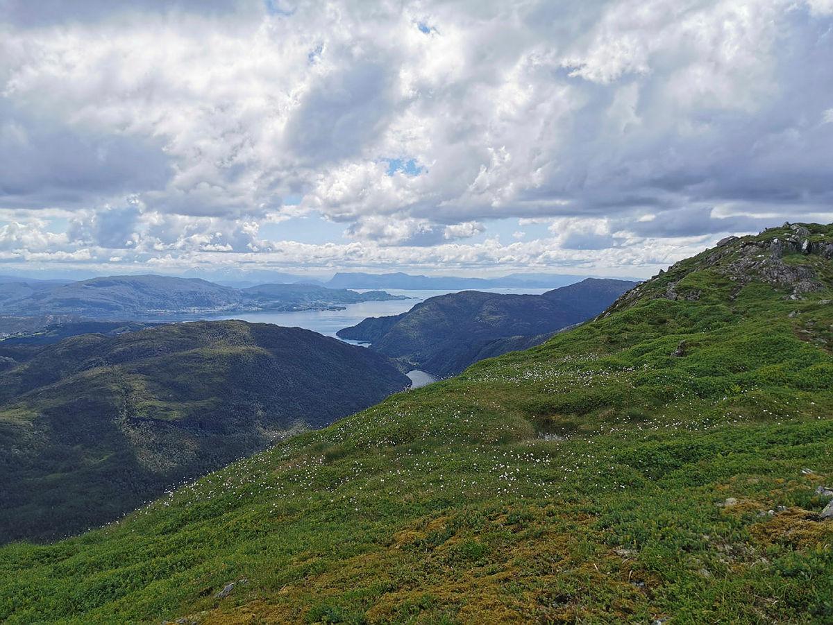 Tur fra Lønningdal - Midtseterfjellet - Rindafjellet - Sauskolten - Søtefjellet og Sveningen, og så ned til Øvredal.
