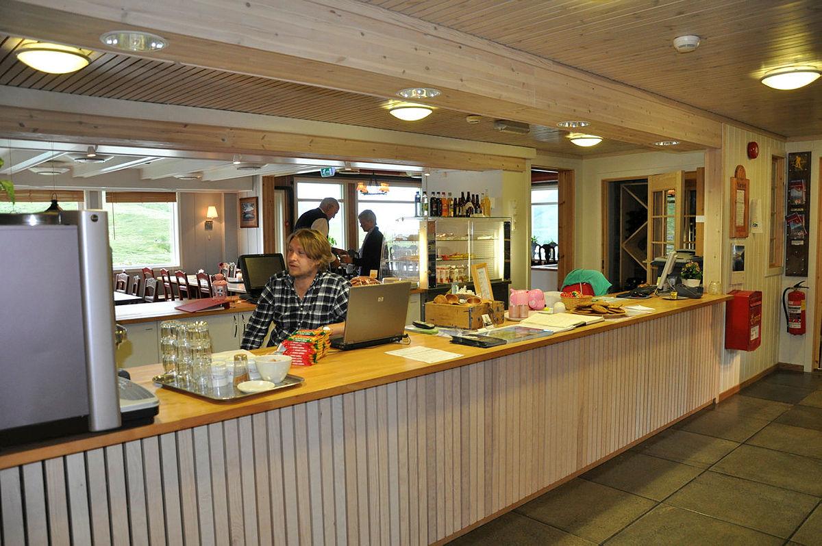 Bedriftstur med Devold over Besseggen september 2007. Turen gikk fra Memurubu til Gjendesheim.