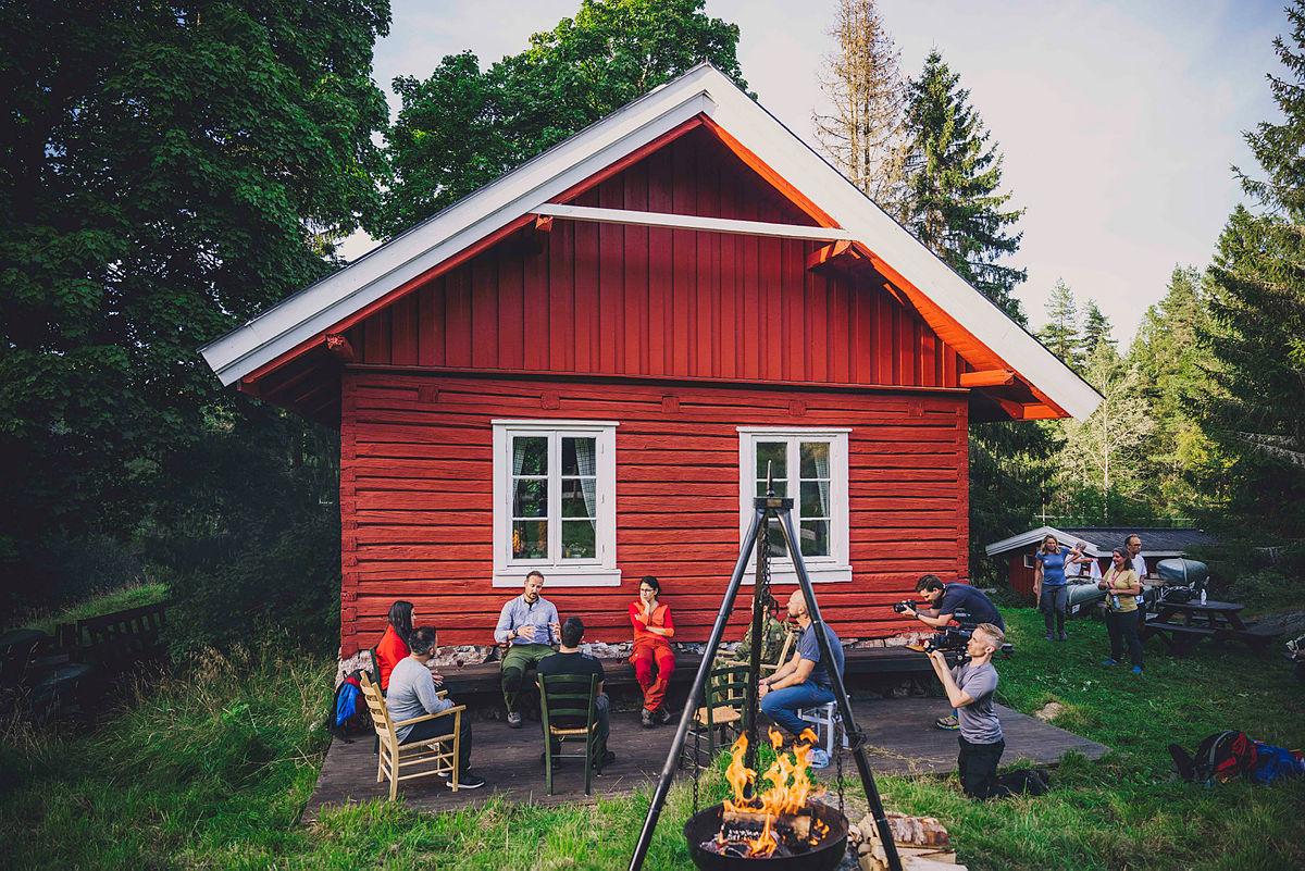 I august 2020 gikk Kronprins Haakon med turfølge deler av Flyktningeruta.  Første etappe gikk fra Skullerud til Øvresaga