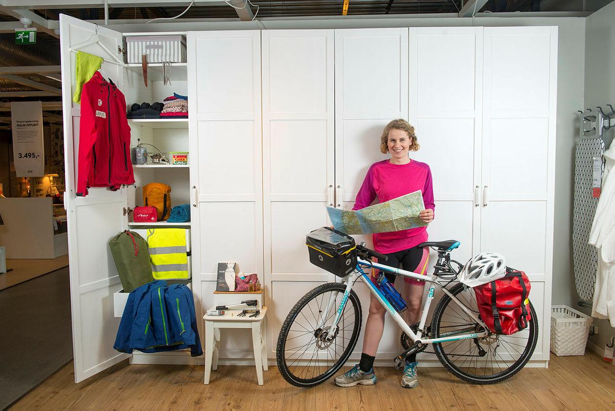 Sommeren 2013 syklet Ulrikke sammen noen venninner Norge på langs, uten noe særlig sykkelerfaring. Men hun lærte mye underveis og deler nå sine beste tips til sykkelturen. På trykk i UT nr 1, 2015.