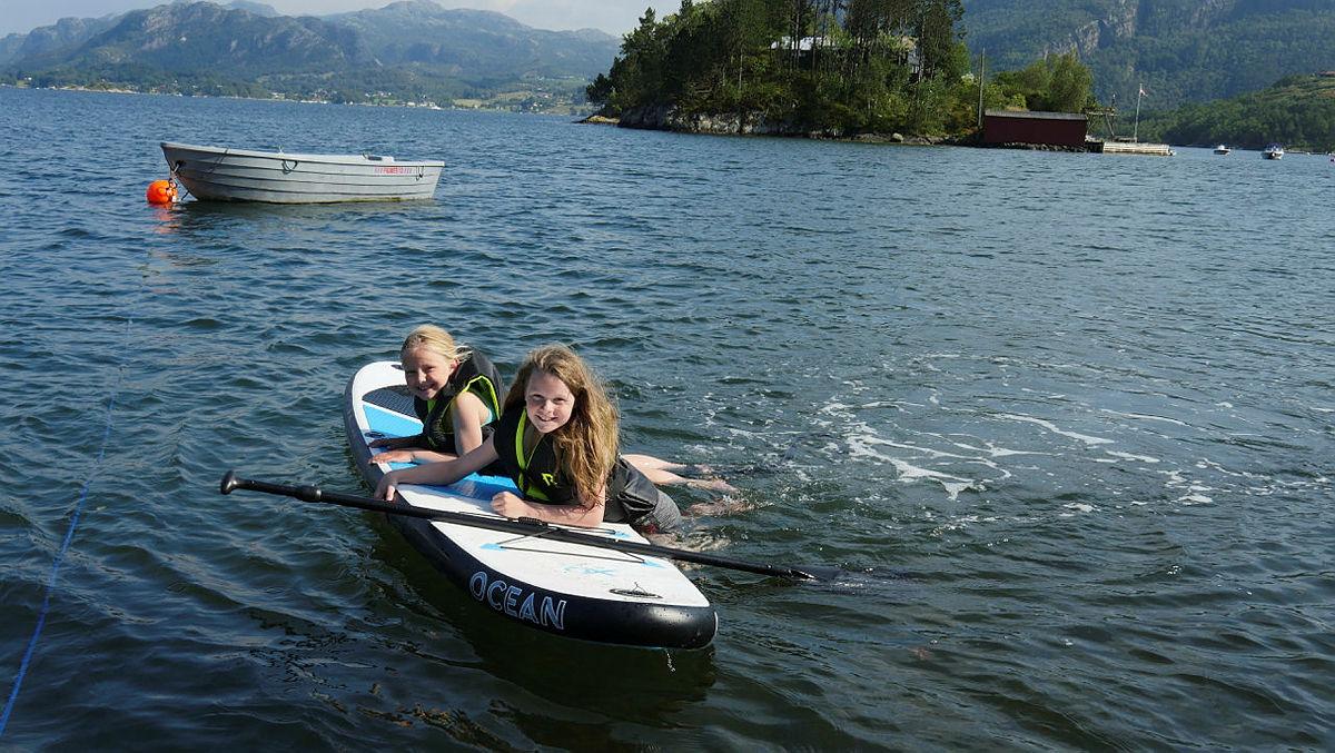 Perfekte muligheter for bruk av SUP (stand up paddle) ved Nodhagen.