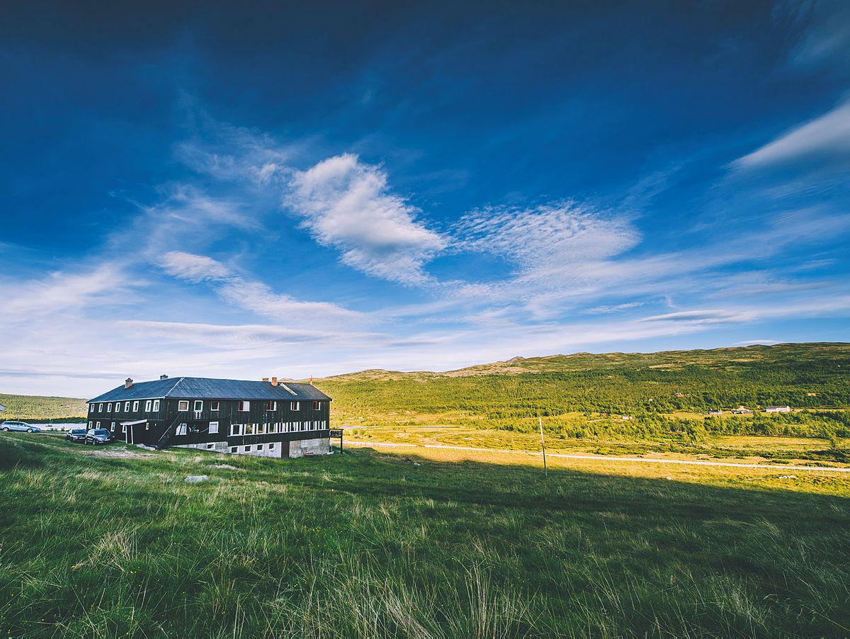 Solheimstulen på Hardangervidda er den nyeste betjente DNT-hytten og åpnet i juni i år.