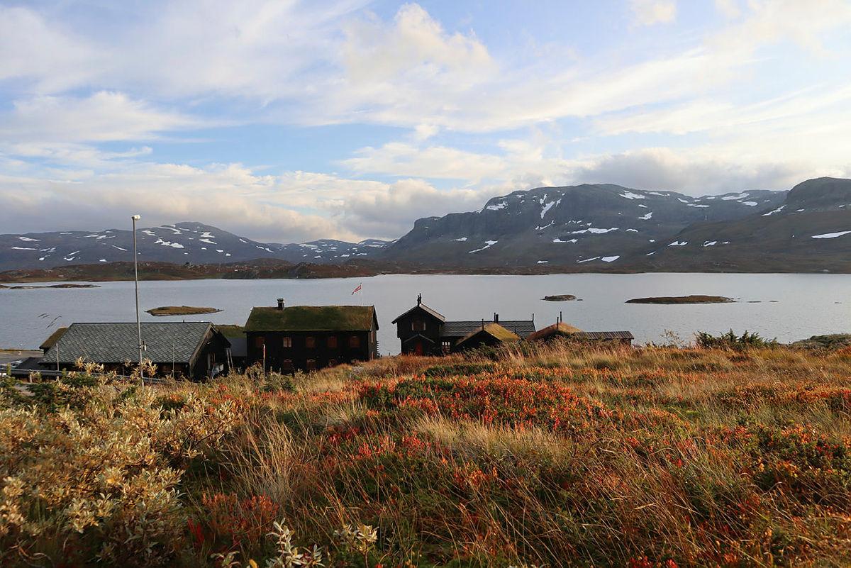 Haukeliseter fjellstue byr på god mat, badestamp, badstue og nydelig natur.