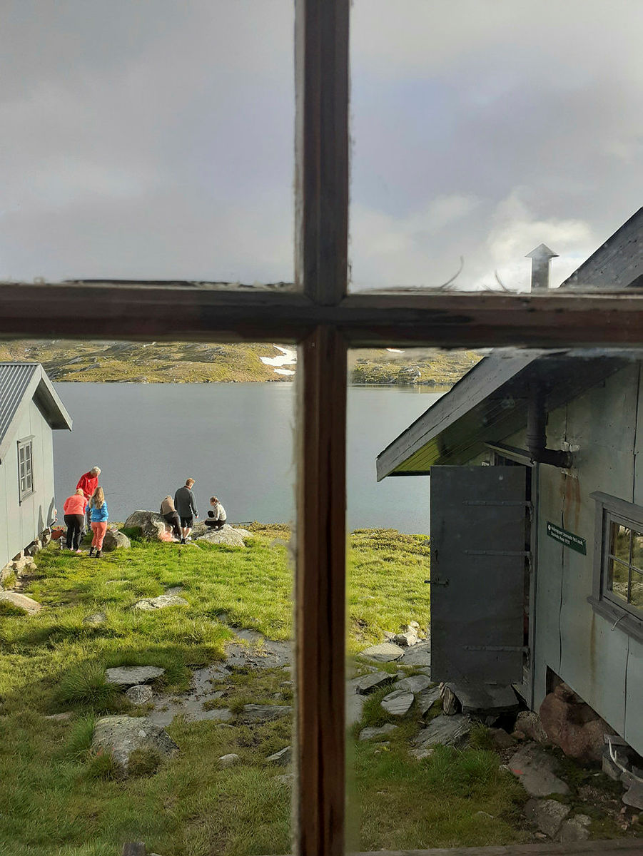 Fersking i fjellet fellestur til Taumevatn og  Heibergtunet Storevatn. Her fra Storevatn.