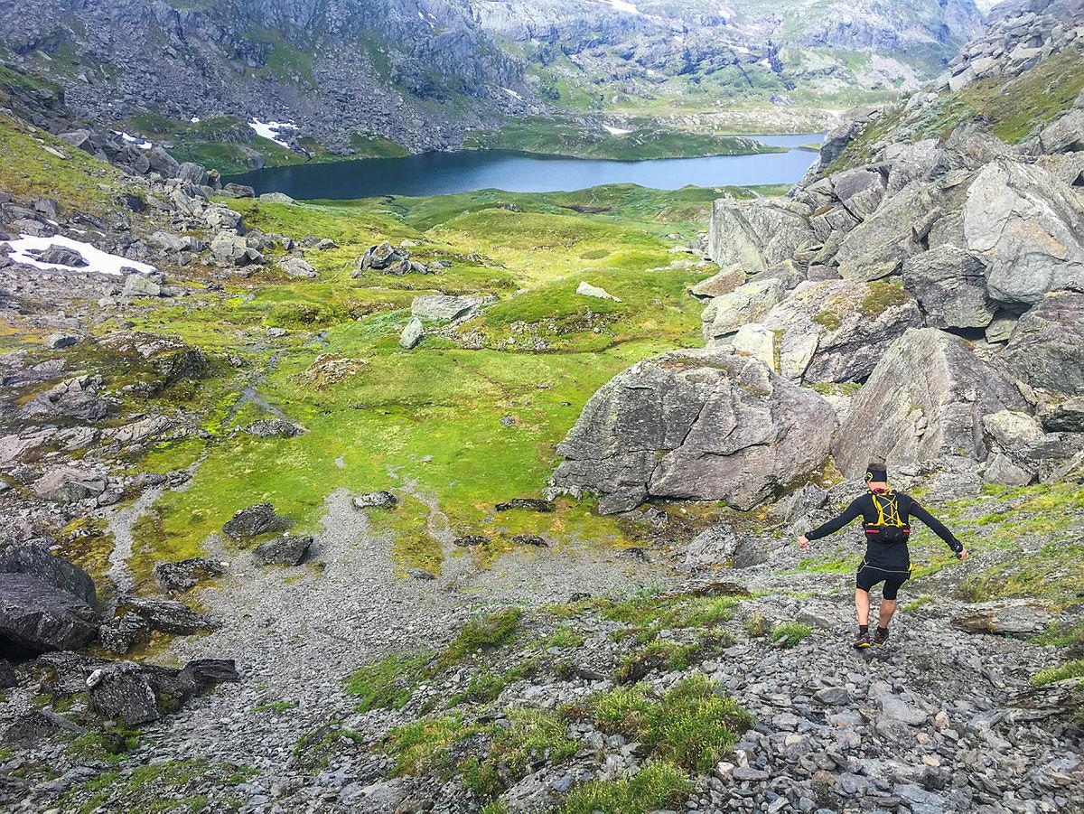 LETT PÅ TÅ: Ta med dagstursekk til Stranddalen turisthytte, og utforsk de mange stiene på høyfjellet i Suldal.