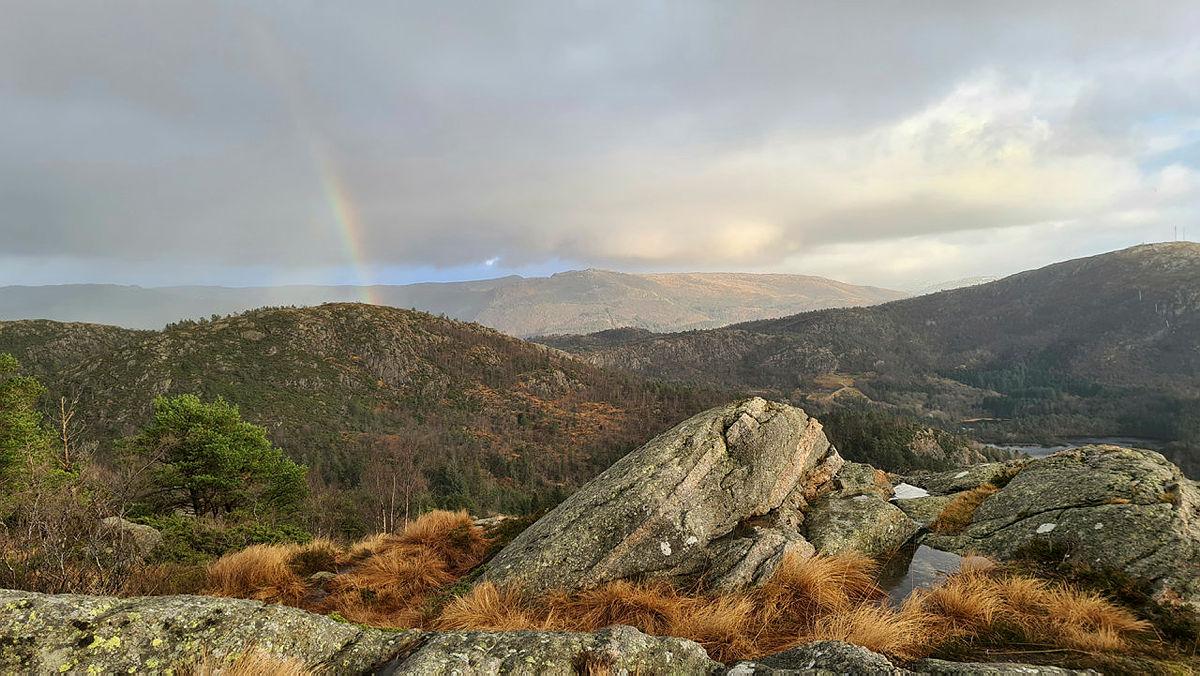 Gravdalsfjellet med regnbue, Bergenstrimmen vinter 20/21