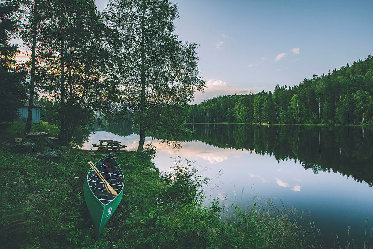 Røyrivannskoia og Stallen i Østmarka.  Røyrivannskoia og Stallen i Østmarka. Kan nås med kano fra Losby.