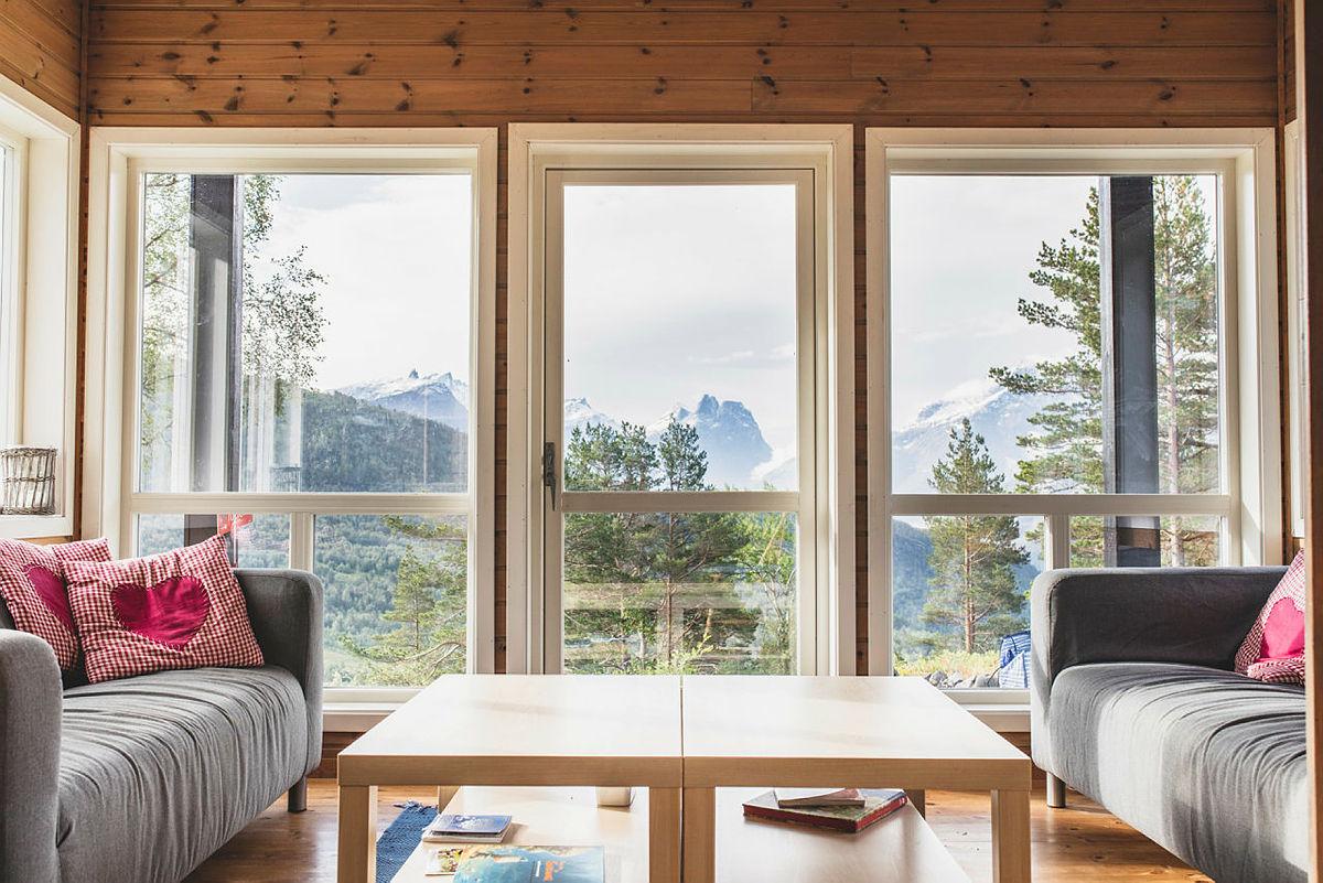 Utsikten fra Skorgedalsbu i Romsdal.