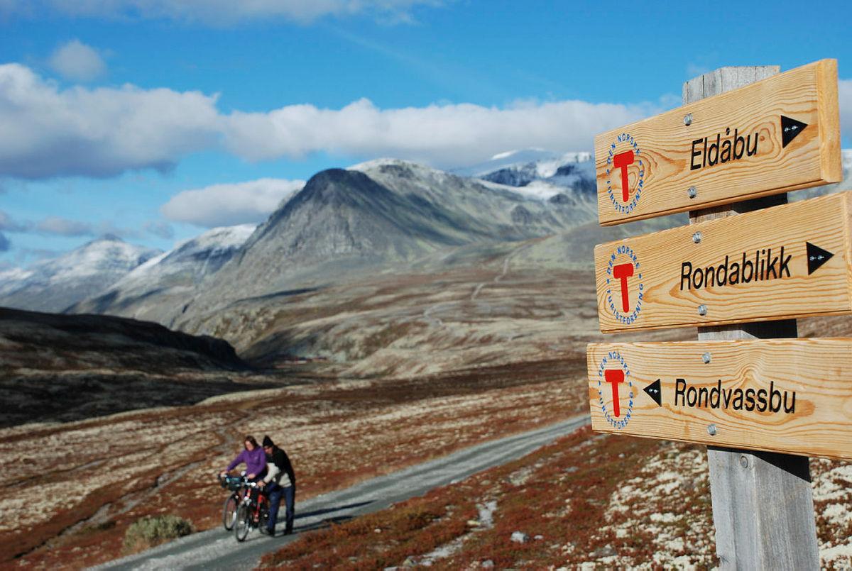 Sommertid: Stabilt vær og varierte turmuligheter er noe av det som lokker tusenvis av fjellvandrere til Rondane hver sommer.
