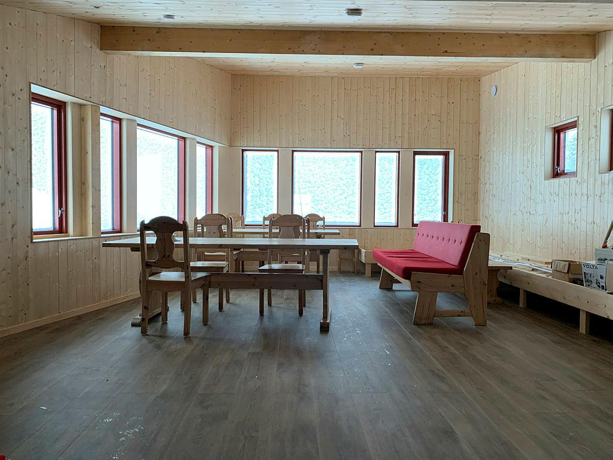 Ny, stor stue (ikke ferdig da dette bildet ble tatt).