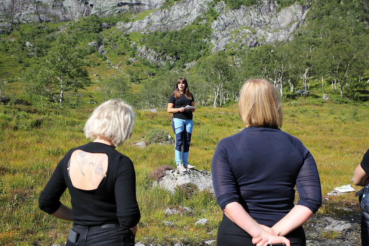 Ung for fjella i Nordhordland er blant dei som har engasjert seg i vindkraftkampen. Bilde ifrå vindkraftmøte i Dyrkolbotn i august i år.