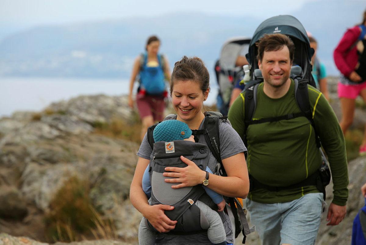 Bæretur med Barnas Turlag til Lyderhorn
