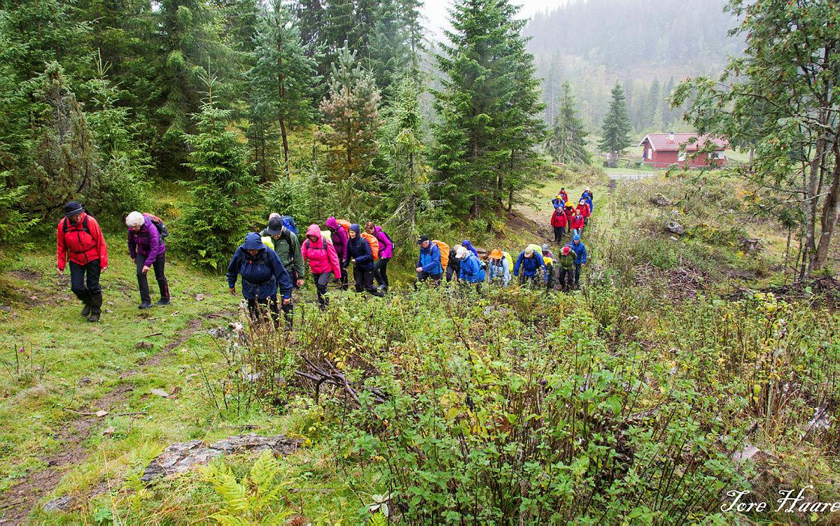 """Turgruppa """"Ut på tur Eiker"""" på vei til Hovlandsfjell"""