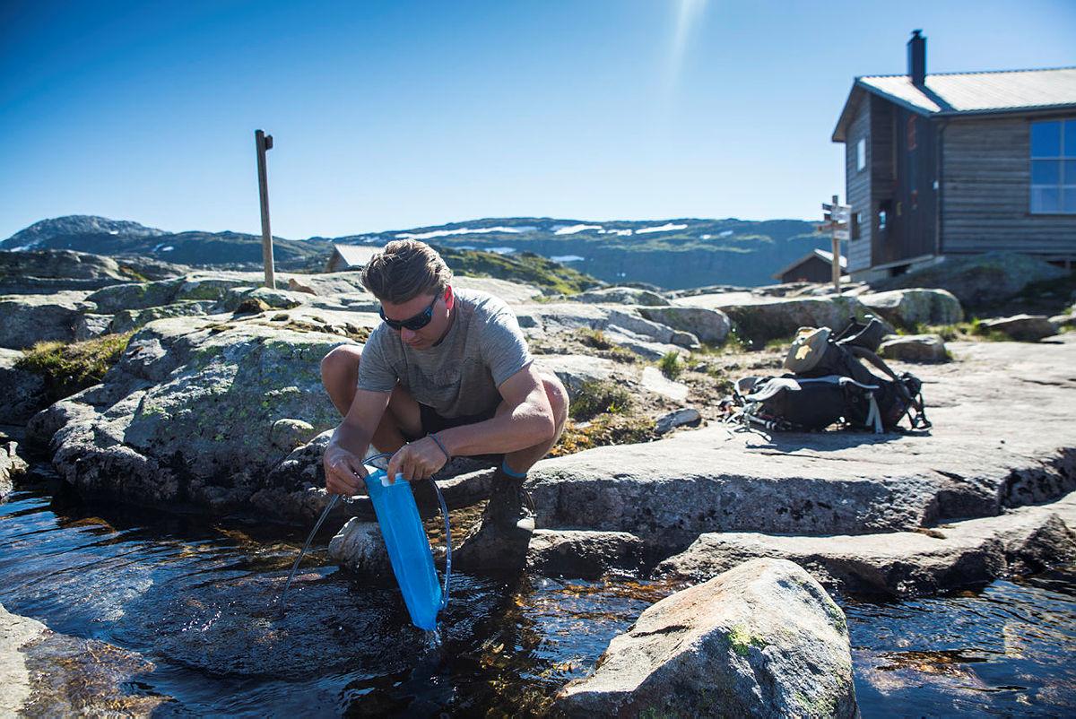 Fyll opp! Ved Gullhorgabu i Bergsdalen, juli 2018.