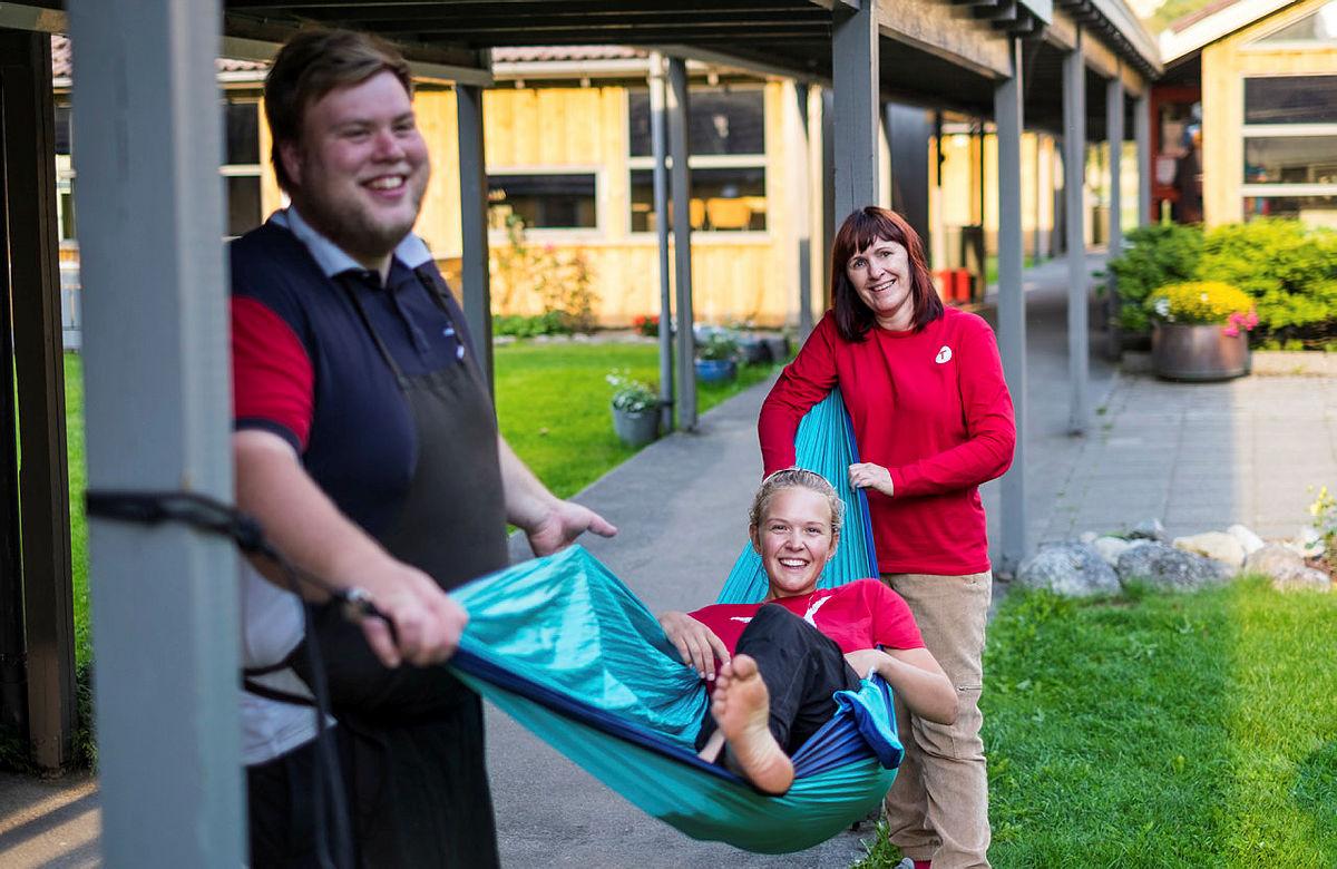 Kjekke kollegaer på Lysefjorden turisthytte hvor du skal bo mens du er aktivitetsleder.