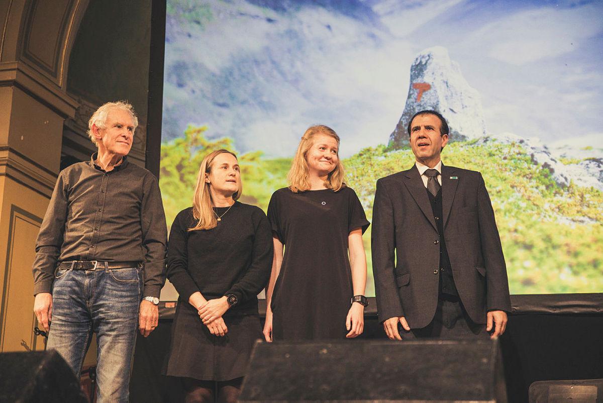 Årets Ildsjel er en ny pris, som ble opprettet i jubileumsåret 2018. Bildet er fra Høstmøtet i 2018. Fra venstre: Jan Ellingsen, Kristine Stordal, Ragnhild GJerve og Mehdi Maghsoudi. Prisen skal i år deles ut på Frivilligfesten den 9. november.