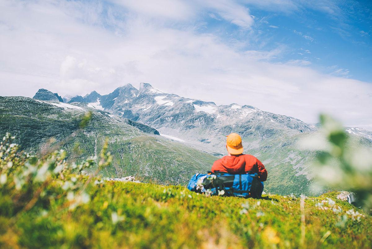 MAJESTETISK: Utsikten mot Jotunheimens høye tinder kan ta pusten fra de fleste.