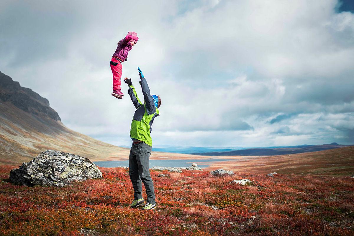 Bilde av far og datter, i nydelige Vang i Valdres