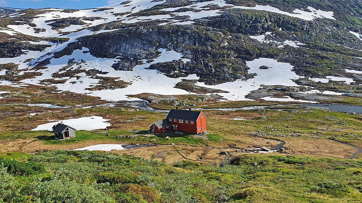 Tur fra Kinsarvik, opp Husedalen, til Stavali, juli 2020.