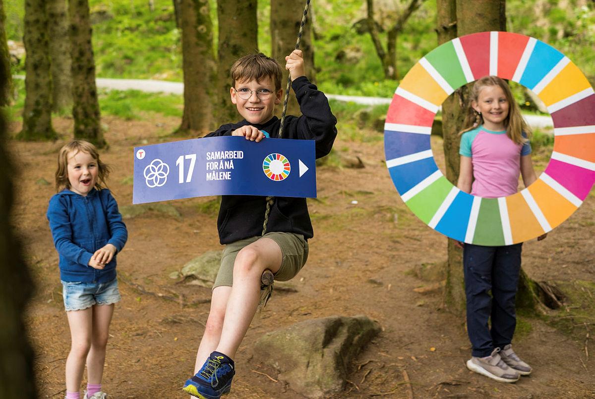 Bærekraftslekene på Gramstad har et mål om at flere skal få mer kunnskap og engasjement rundt FNs bærekraftsmål.