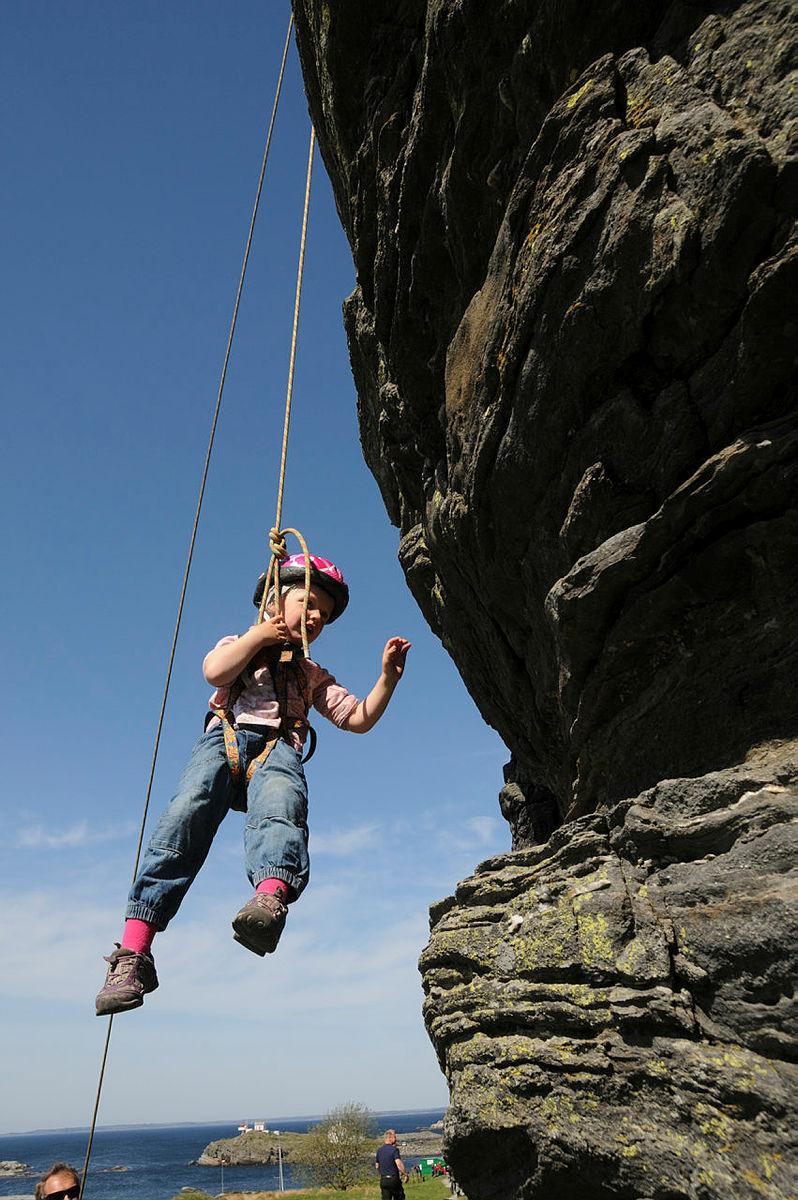 Jenta i fjellveggen