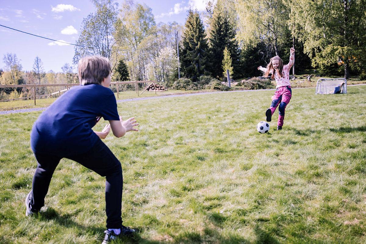 Fotball kan lånes fra Lekeboden