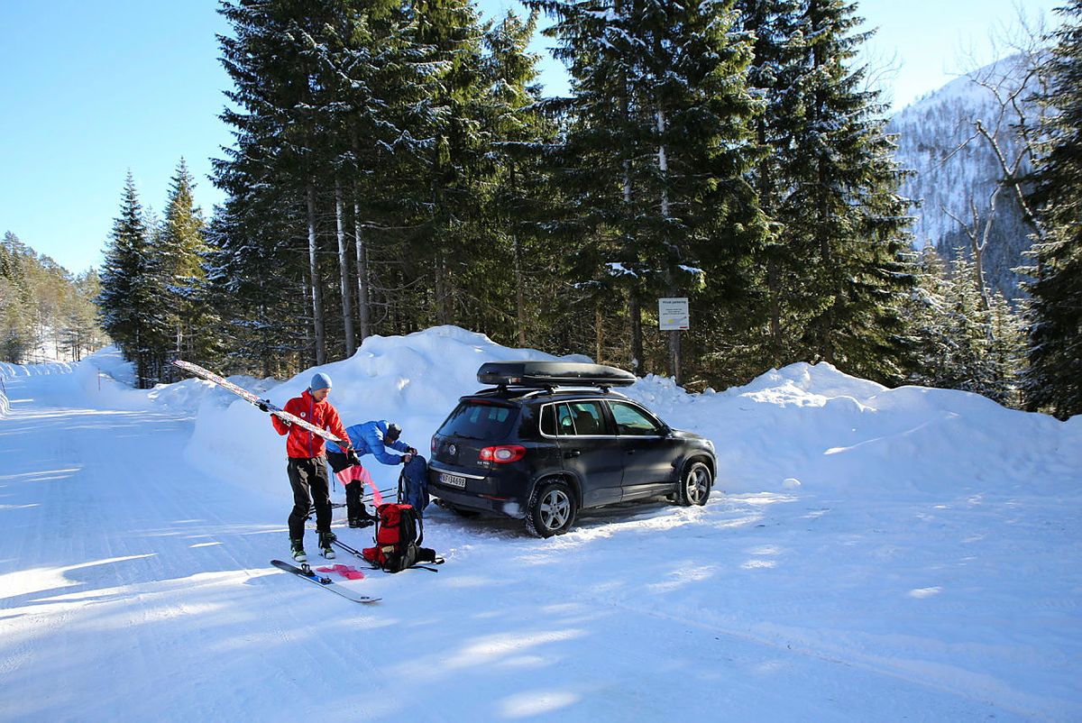 Skitur til BT-hytten på Mjølfjell.