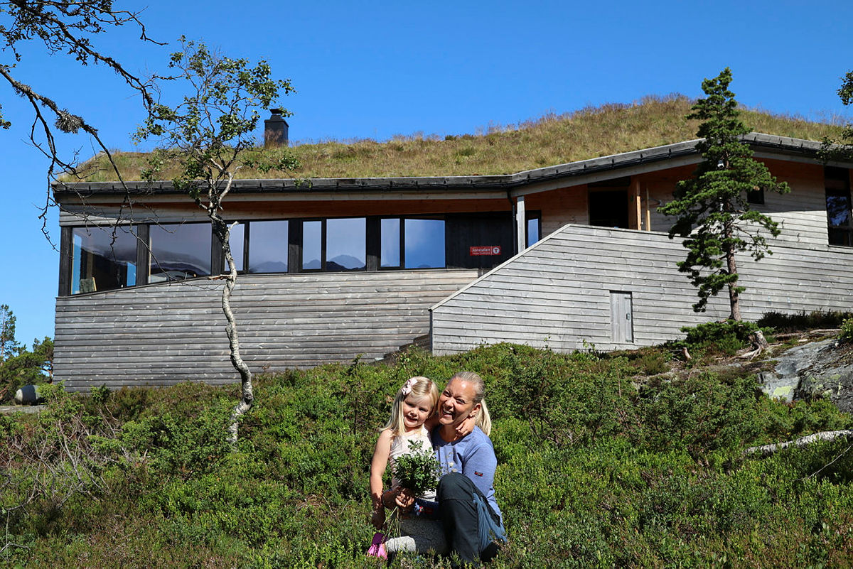 Sommerferieidyll på Jonstølen turisthytte.