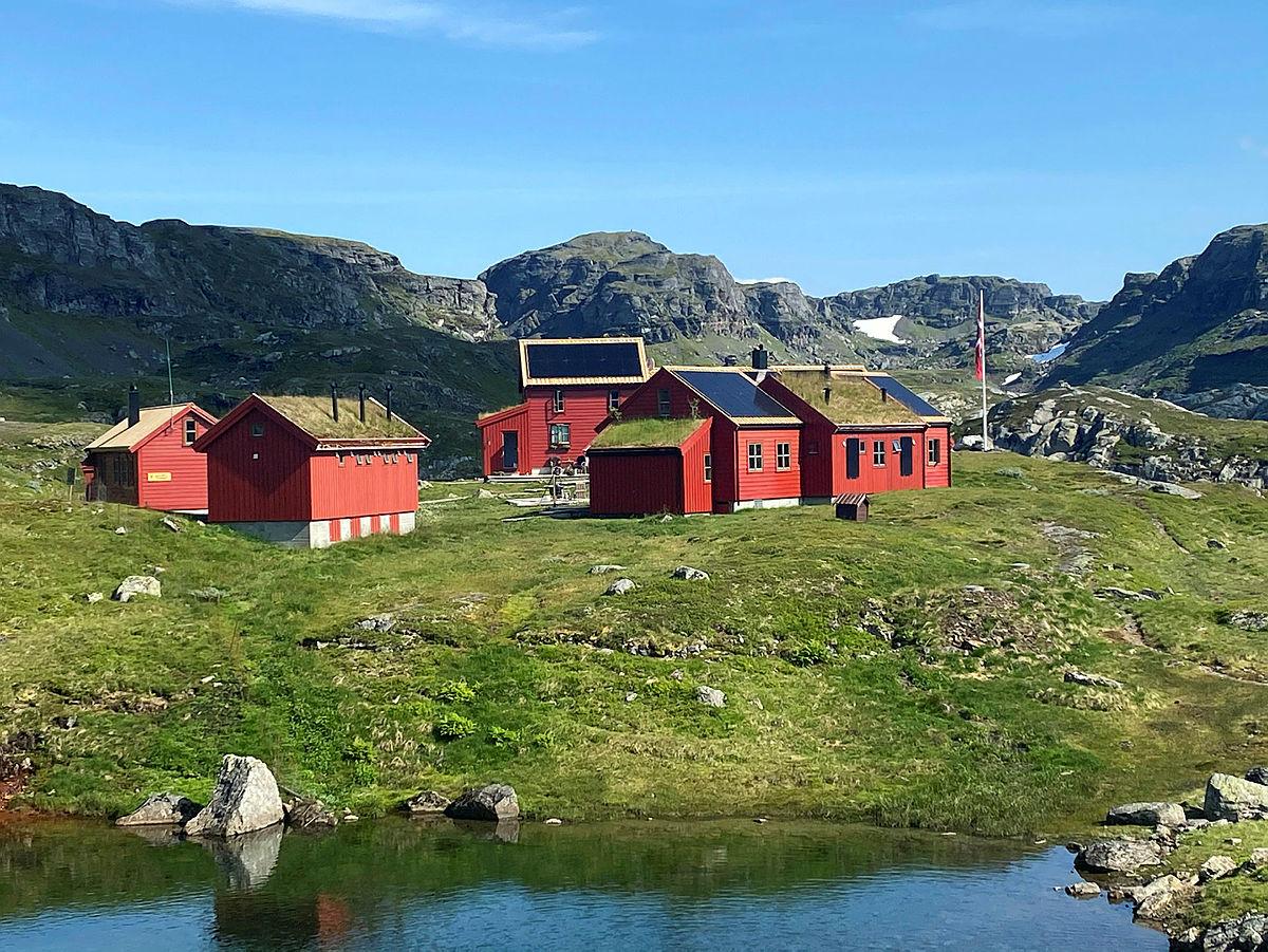 StranddalenTuristhytteiRogaland tok 3plass, betjente hytter. Hytta har i år erstattet dieselaggregatet med miljøvennlig solcellanlegg.