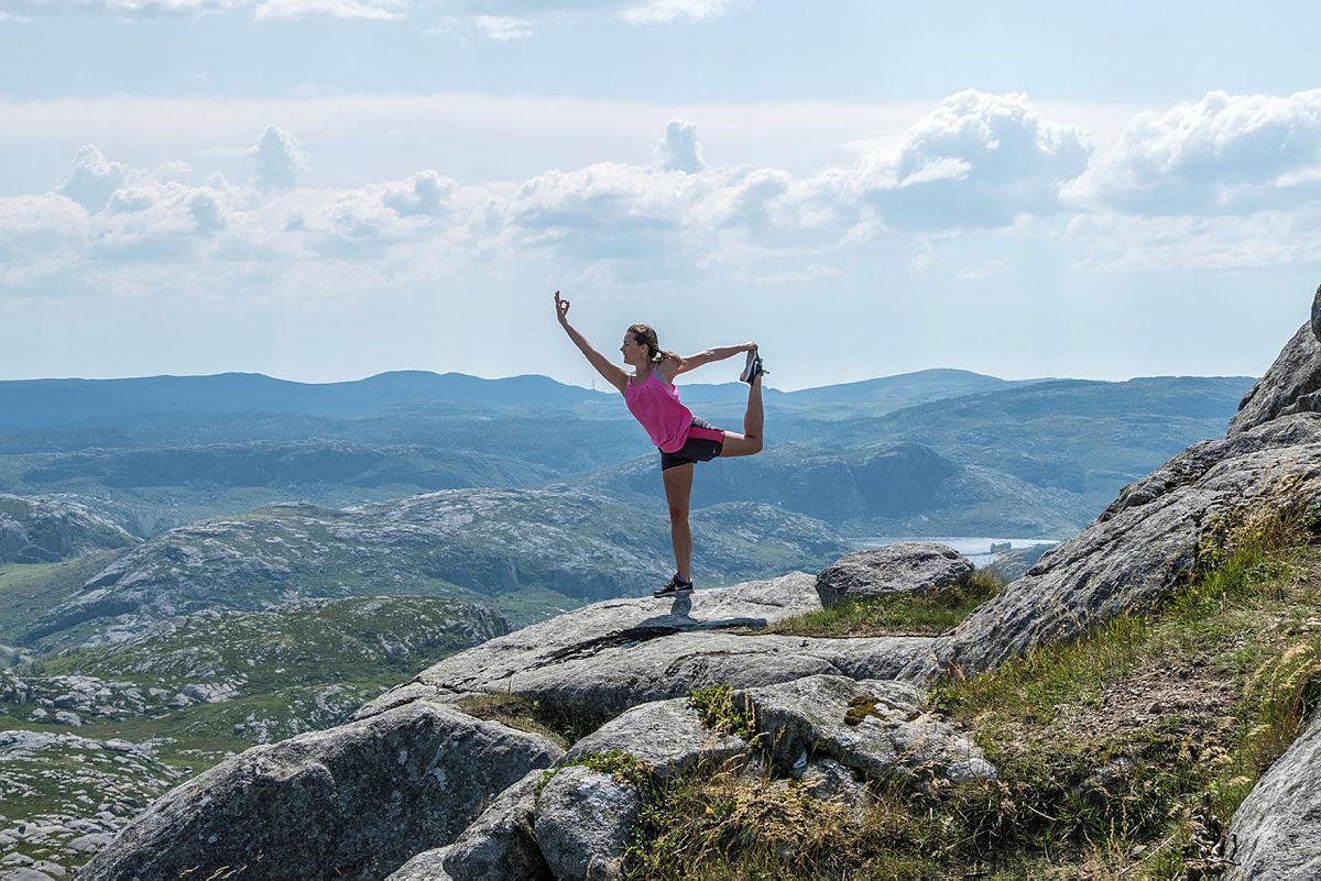 Nyt første dagen i juli med yoga og tur i den vakre Sandnesmarka.