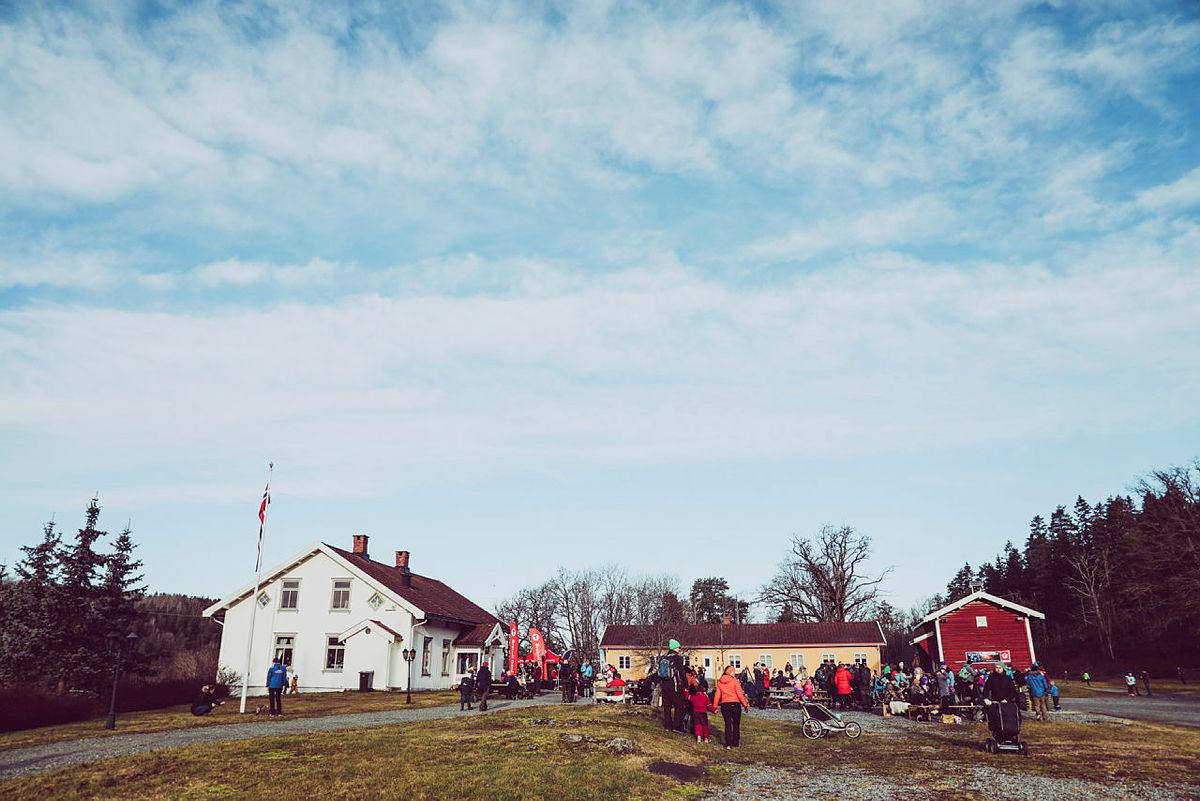Her får du gode tips til aktiviteter i Oslo-området i vinterferien. F.eks. en tur til koselige Breivoll Gård i Ås.