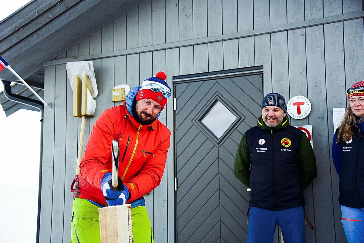 Åpning av Haakonsbu.