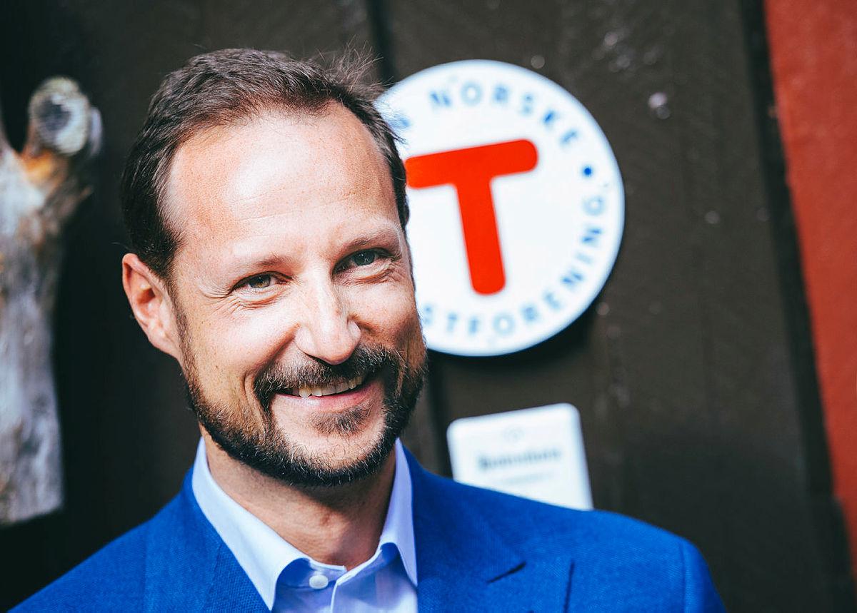 H.K.H. Kronprins Haakon ønsker å løfte frigjøringshistorien og går deler av Flyktningeruta.