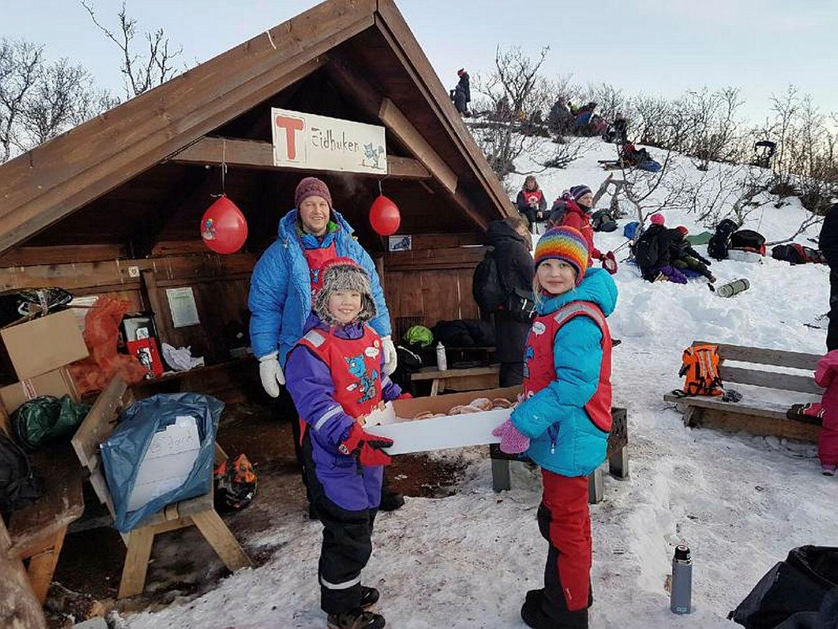 Utebursdag og solfest på Eidhaugen i Tromsø.
