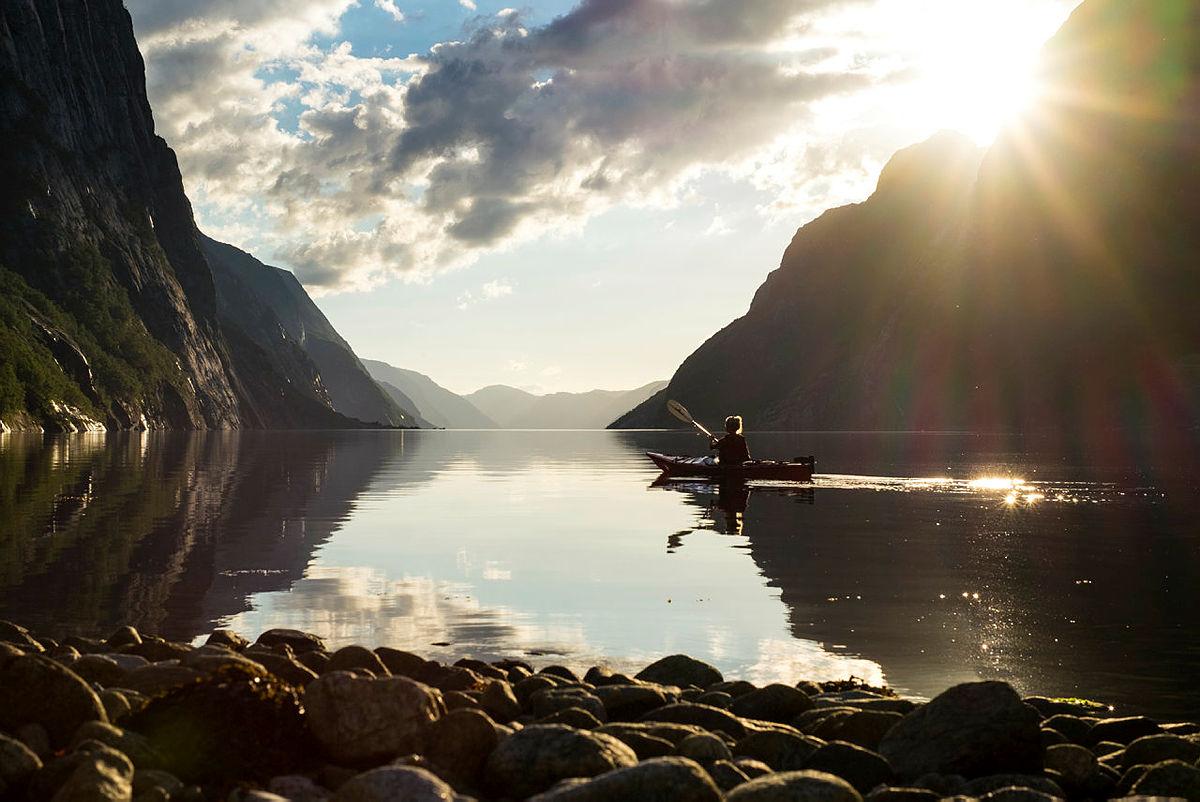 Kan det bli mer idyllisk enn dette? Ta turen sammen med barna til Lysebotn og opplev det selv i sommer!