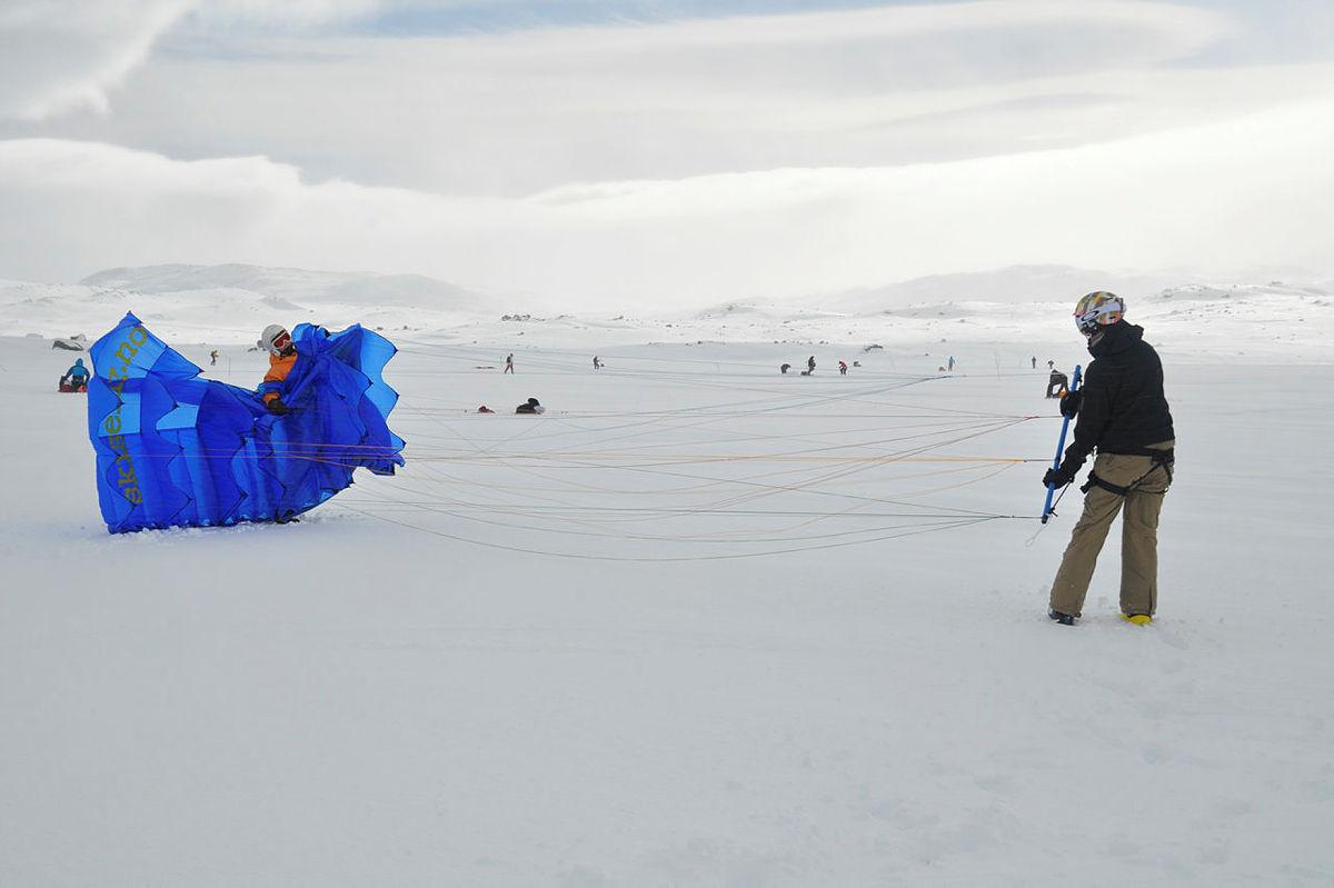 Skiseiltesting på kitekurs på Finse