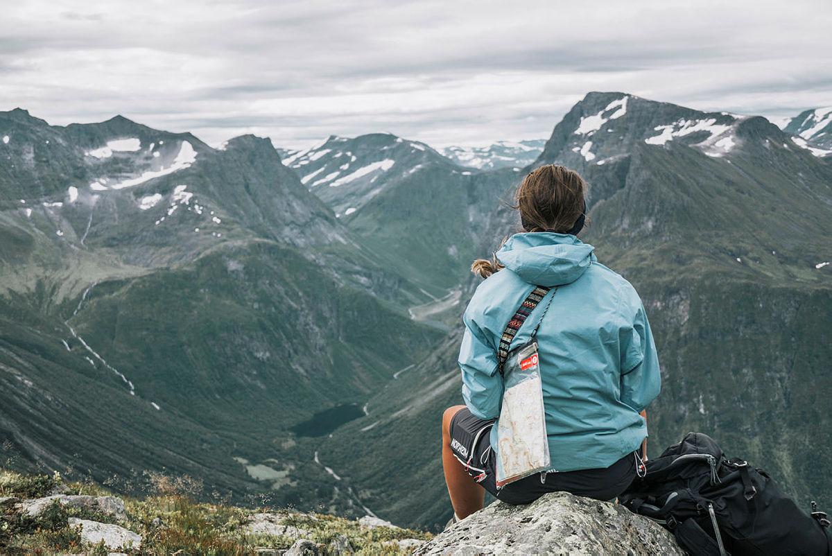 Det vi er glade i tar vi vare på, som denne utsikten over Sunnmøre og Øye, fra Slogen-området.