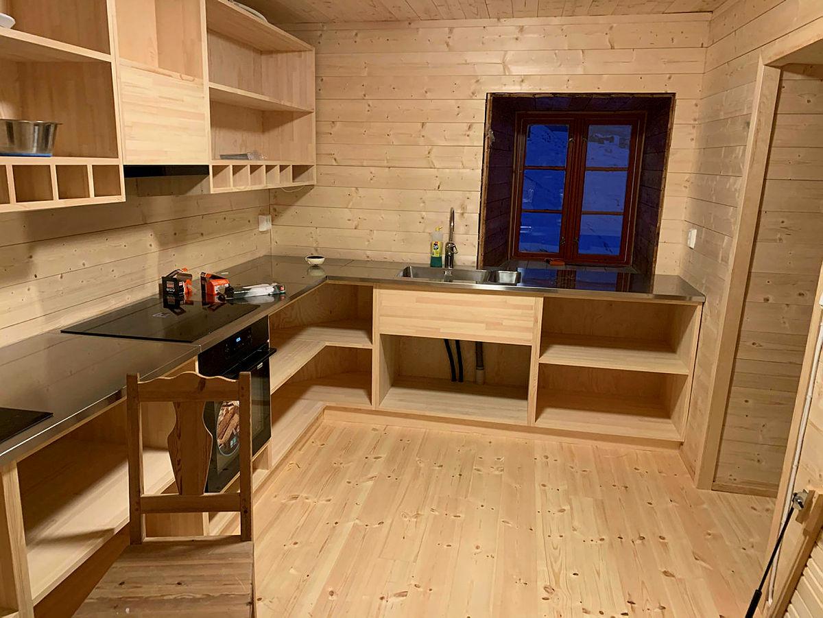 Nytt kjøkken på Hallingskeid turisthytte, desember 2020.
